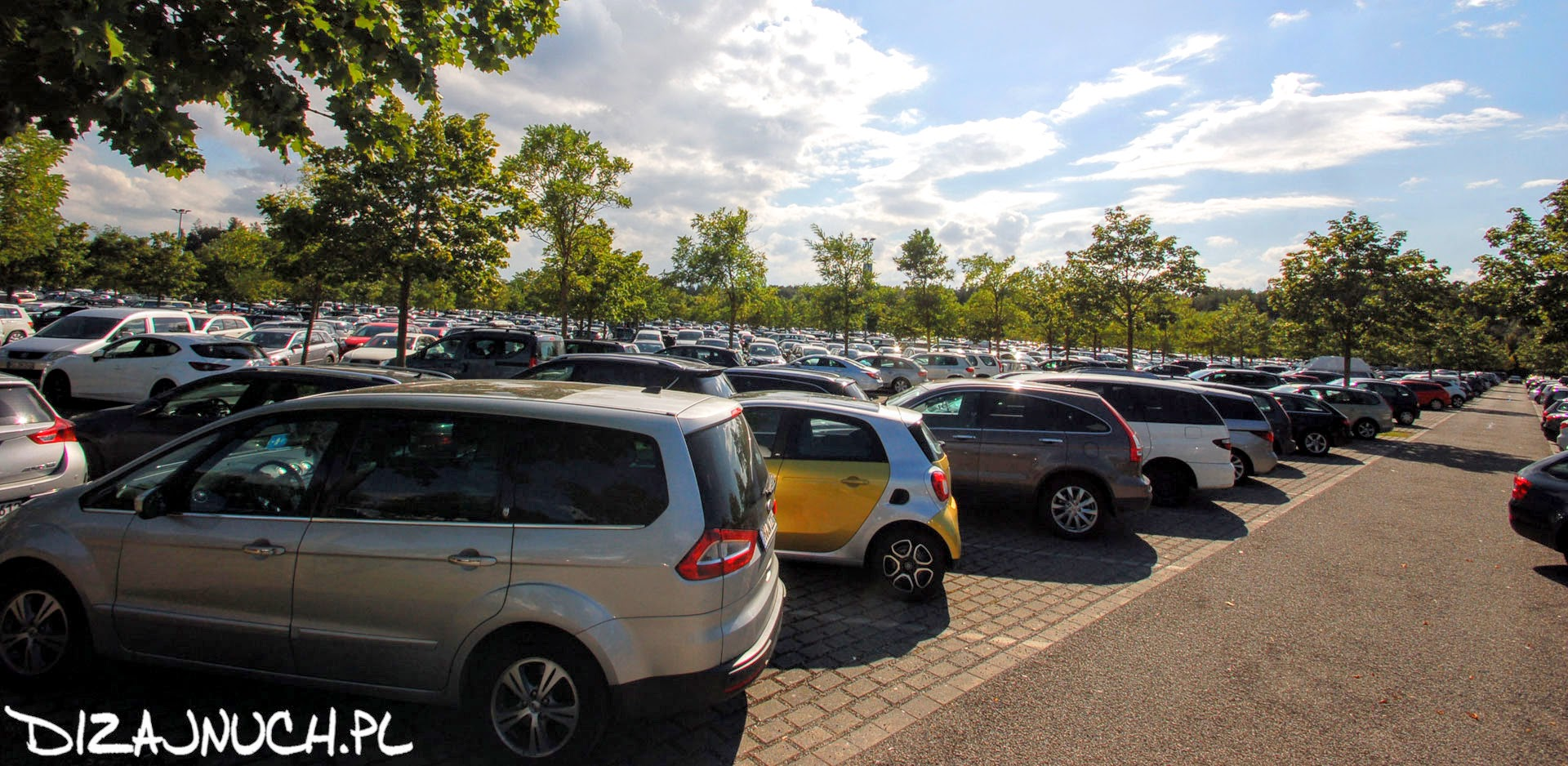 legoland parking